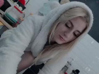 Username: Ommnia. Age: 24. Online: 2020-09-27. Bio: cutie young camgirl from Earth. Speaking English. Live sex show: curvy show big boobies in sex chat